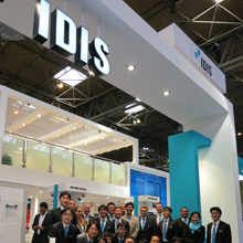 By taking part in a DirectIP demonstration and participating in activities on the IDIS stand, visitors became part of the buzz around IDIS