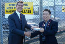 Integrated security systems from Gallagher implemented at the Port of Auckland receives a new visitor – IT journalist, Shu Jie
