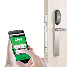 Clay IQ that serves as the hub between the wireless lock and the cloud